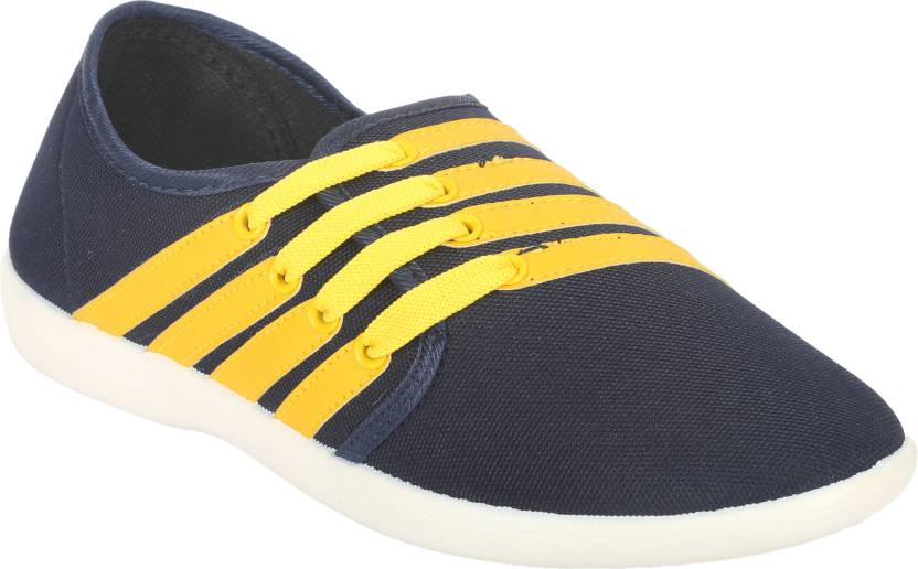 Bacca Bucci Casuals Only For Rs.89